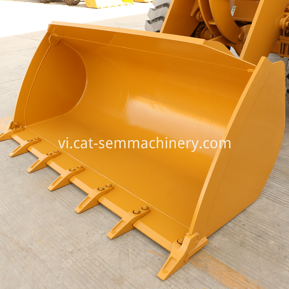 Construction-machine-SEM-632D-wheel-loader-machinery